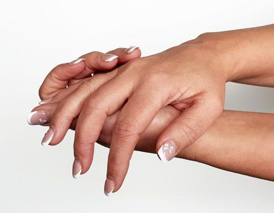 Ce doctor se ocupa de chirurgia mainii